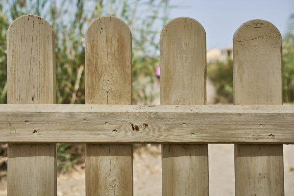 Costly Mistakes To Avoid When Replacing Your Garden Fence